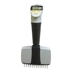 Пипетка-дозатор 30-300 мкл  электронная 12-канальная 4630052